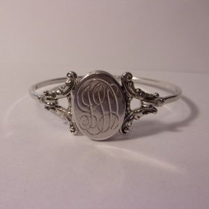 Avon Silver Tone Locket Bracelet